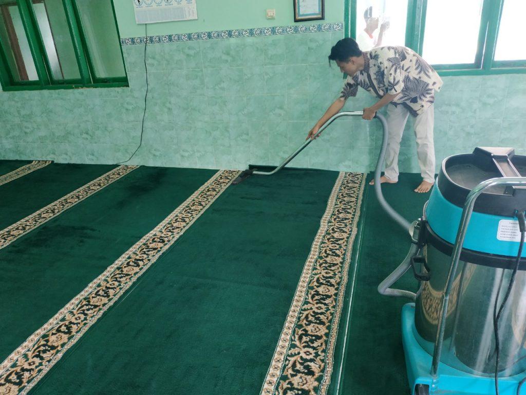 Alddin Karpet Masjid, Proses Membersihkan Karpet Masjid